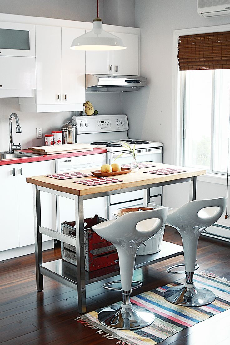 20 functional kitchen island examples for a small - Functional kitchen island designs ...